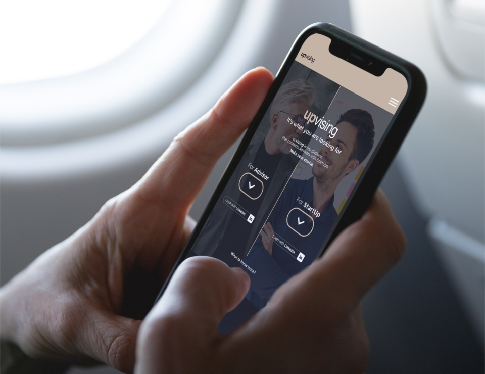 FreeMockup-iPhoneX-Plane-InspireDesignStudio